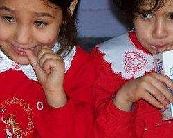 'Okullarda Süt Dağıtım Projesi' 300 Öğrenciyi Zehirledi