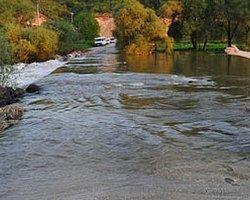 Suları Alttan Değil, Üstten Akan Köprü