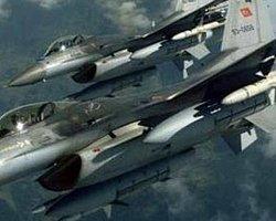 Çukurca'da Uçak Hareketliliği