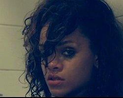 Rihanna'dan Şok Görüntüler! Alenen Kokain Kullandı!