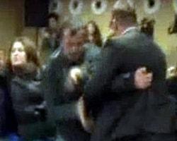 Çevre ve Şehircilik Bakanı Bayraktar'a Ayakkabı Atıldı