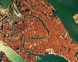 Venedik Hızla Batıyor