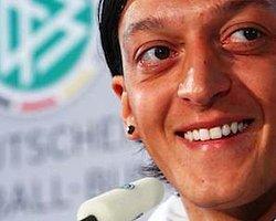 """Mesut Özil: """"Biz Bu Kupayı Kazanırız"""""""