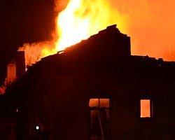 Anne Ve 3 Çocuğu Yangında Öldü