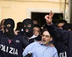 Napoli'de 16'sı Yargıç 46 Kişi Gözaltına Alındı