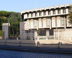 İtalya Suriye Büyükelçiliği'ni boşaltıyor