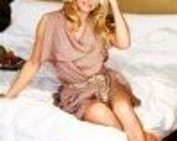 Ayşe Arman, Pamela Anderson'ı yatağa soktu