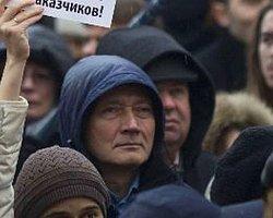 Rusya'da Muhalefet Kızıla Boyanıyor