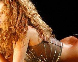 Shakira'nın Alexis Sanchez'le seksi dansı