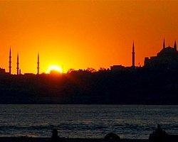 The Guardian: İstanbul'da Tarih Yerle Bir Ediliyor