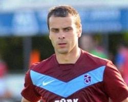 Trabzonsporlu futbolcuyu soyanlar yakalandı