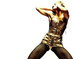 Madonna Konserinde Sahne Önü 600 TL