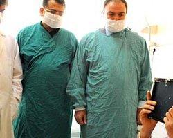 Yüz nakli olan Uğur 23 gün sonra sakal traşı oldu