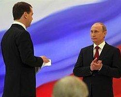 Ve Putin Yeniden Başkanlık Koltuğunda...