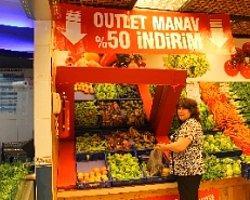 Outlet Manavda Sebzeler Yüzde 50 İndirimli