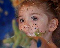 Dünyanın En minik Ressamı 100 Bin Sterlin Kazandı