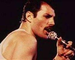 Mercury, Queen'le 'Sahneye Çıkıyor'
