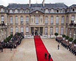 Sarkozy Görevi Hollande'a Devrediyor - AA