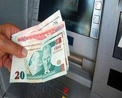 ATM'lerden Para Çektiğinizde Saymayı Unutmayın!