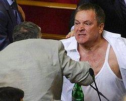 Ukrayna Meclisinde Yumruklar Konuştu