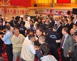 MHP Kongresinde Kavga: 1 Polis Yaralı