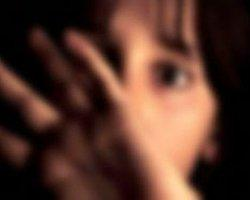 Öz Kızına Banyoda Tecavüz Etti