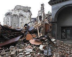 İtalya'da 5,8 büyüklüğünde deprem | Mynet Haber