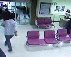 Eşi Düşük Yaptı, Kadın Doğum Doktorunu Bıçakladı