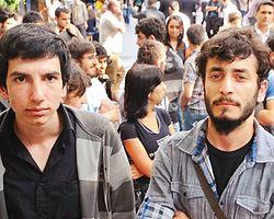 2 kez okuldan atıldılar 3. yolda  CNNTurk.com