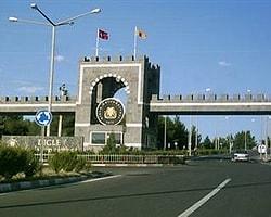 Diyarbakır'da 3 Fakülteye Bomba Atıldı