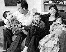 Başbakan Cameron Kızını Barda Unuttu