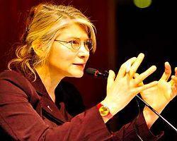 CHP'li Tarhan: Kıvrak hizmet erbabı parti kursun!