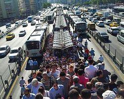 İstanbul Duruyor