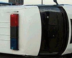 Polis Minibüsü Devrildi: 9 Yaralı