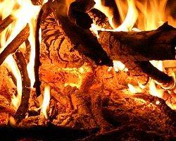 Yangın Köyün Yarısını Kül Etti