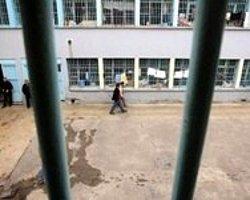 2 Yılı Kalan Gaspçı Ve Tecavüzcüler Açık Cezaevine