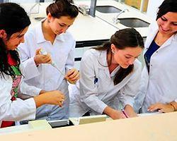 Tıp Fakültesi Son Sınıf Öğrencilerine Ücret Ödenecek