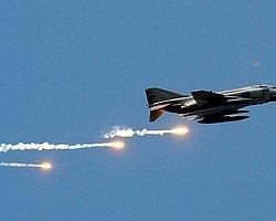 Türk Savaş Uçakları Kandil Dağı'nı Bombaladı