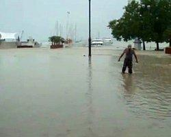 Rusyada Sağanak Yağmur 68 Can Aldı