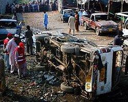 Pakistan'da Bombalı Saldırı: 12 Ölü