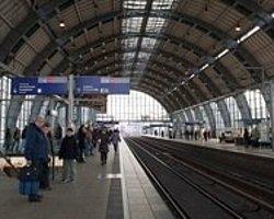 Ayda 2800 Euroyu Garantileyene Almanya'nın Kapıları Açılıyor
