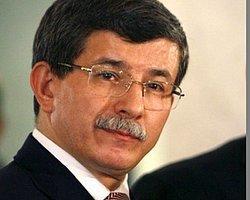 Davutoğlu ayağının tozuyla Başbakanlık'ta