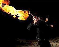 Hakkari'de okula molotoflu saldırı