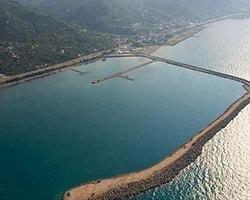 Denize Havaalanı Yetişmezse Bakan'ın Bileti Yanacak!