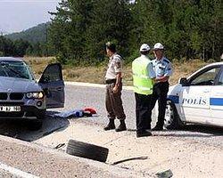 Mıcırlı Yolda 1 Saat İçinde 4 Kaza: 1 Ölü, 6 Yaralı