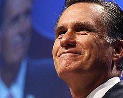 Mitt Romney resmen Obama'ya rakip