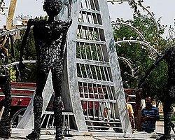 PKK katletti BDP heykelini dikti