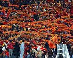 Galatasaray taraftarından Burak Yılmaz'a büyük destek!