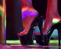 Striptiz Kulüpte Çalışana Okul Bursu