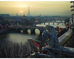 Kırmızı Tabanlı Paris
